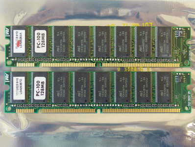 Set 2x AM1 73.73323.810 128MB 256MB kit PC100 168-pin DIMM SDRAM memory modules