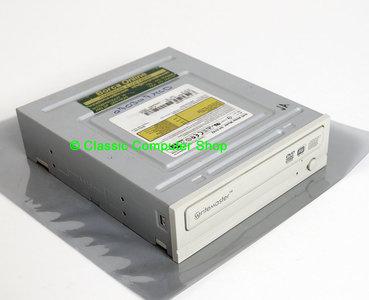 Toshiba / Samsung SH-S182D/BEWN 16x/8x/18x DVD writer 5.25'' internal PATA drive beige front - DVD-RW DVD+RW DVD+R/RW DVD-R/RW burner IDE super combo