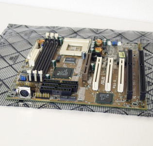 Asus P5A-B rev. 1.03 super socket 7 baby AT PC motherboard main system board - SS7 AGP PCI ISA AMD K6-II+ vintage retro 90s