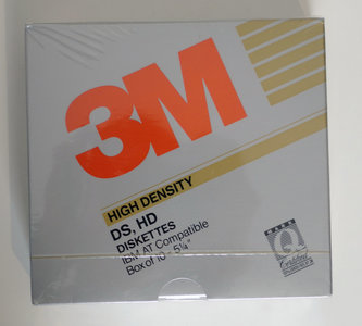 New & sealed 3M 5.25'' DS/HD double sided high density floppy disks unformatted box of 10p - vintage retro 80s