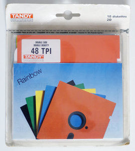 New & sealed Tandy 5.25'' DS/DD double sided double density floppy disks unformatted box of 10p - 10 pack color NOS vintage retro 80s Acorn BBC Apple IIe Atari 800XL Commodore C64 IBM PC XT