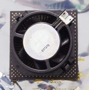 Intel Pentium MMX BP80503166 SL25M 166 MHz socket 7 processor w/ cooler - 166MHz CPU fan vintage retro 90s
