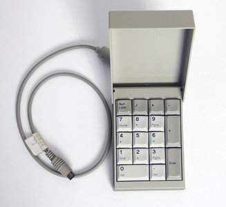 IBM P/N 1396199 PS/2 Model L40 SX white numeric keypad - vintage retro 90s