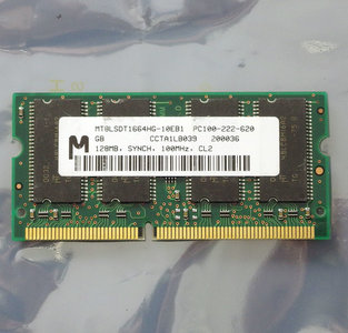 Micron MT8LSDT1664HG-10EB1 / IBM FRU 20L0265 128MB PC100 CL2 144-pin SO-DIMM SDRAM memory module