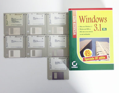 Microsoft Windows 3.1 English 3.5'' disk PC operating system w/ handbook - vintage retro 90s #2