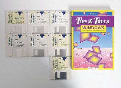 Microsoft Windows 3.0 English 3.5'' disk PC operating system w/ handbook - vintage retro 90s