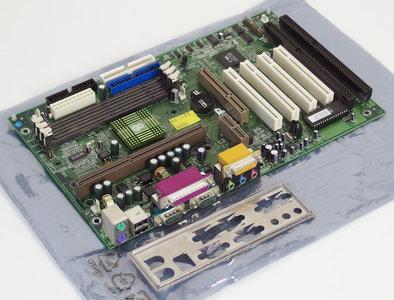 Chaintech 6ATA2-E100A slot 1 ATX PC motherboard main system board - ISA PCI AGP audio Pentium II PII P2 III PIII P3 VIA Apollo Pro133A