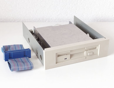 Teac FD-235HF 3.5'' 1.44MB DS/HD disk drive FDD beige front PC + internal 5.25'' slot module + cable - AT 286 386 vintage retro 80s 90s