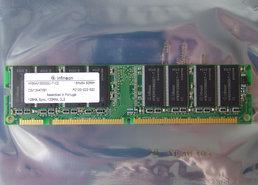 Infineon-HYS64V16300GU-7-C2-128MB-PC133-CL2-168-pin-DIMM-SDRAM-memory-module