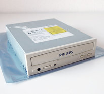Philips-PCA323CD-32x-CD-ROM-player-5.25-internal-PATA-drive-beige-front-CD-R-IDE