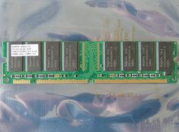 Hynix-HYM71V32635HCT8-H-A-AA-256MB-PC133-CL3-168-pin-DIMM-SDRAM-memory-module