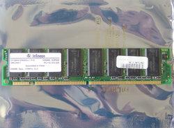 Infineon-HYS64V32900GU-7.5-D-256MB-PC133-CL3-168-pin-DIMM-SDRAM-memory-module