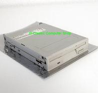 Mitsumi-D359M3D-3.5-1.44MB-DS-HD-disk-drive-FDD-white-beige-front-PC-486-Pentium-vintage-retro-90s