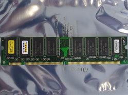 Hyundai-HYM7V64200TFG-10-Compaq-278030-002-16MB-PC66-168-pin-DIMM-SDRAM-memory-module