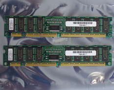 Set-2x-Hitachi-HB56UW472E-6IB-32-MB-32MB-64-MB-64MB-kit-60-ns-60ns-168-pin-DIMM-ECC-EDO-RAM-memory-modules-IBM-P-N-05H0917