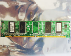 Transcend-128-MB-128MB-PC133-CL3-168-pin-DIMM-SDRAM-memory-module