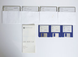 Digital-Research-DR-DOS-5.0-English-3.5-&-5.25-floppy-disk-PC-operating-system-vintage-retro-90s