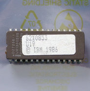 IBM-PC-XT-5160-1986-BIOS-U19-EPROM-62X0853-28-pin-DIP-chip-vintage-retro-80s