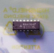Panasonic-Matsushita-MN4164P-15-64Kx1-8KB-150ns-16-pin-DIP-RAM-DRAM-memory-chip-vintage-retro-80s