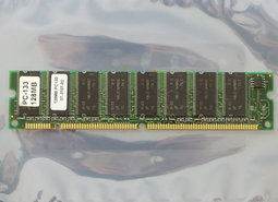 Micron-MT48LC16M8A2-75-128MB-PC133-CL3-168-pin-DIMM-SDRAM-memory-module