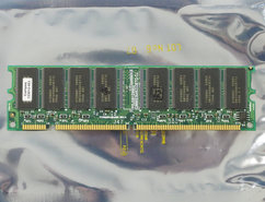 COMPAQ-323012-001-Hyundai-GMMS2649233ETG-7J-64MB-PC100-CL2-168-pin-DIMM-SDRAM-memory-module