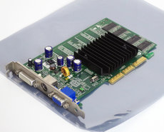 MSI-8911-ver.-330-NVIDIA-GeForce-FX5200-128MB-VGA-DVI-TV-out-graphics-video-AGP-PC-card-adapter