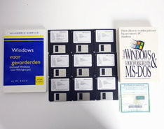 Microsoft-Windows-For-Workgroups-3.11-Dutch-OEM-3.5-disk-PC-operating-system-w--handbooks-vintage-retro-90s