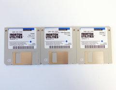 Symantec-The-Norton-Utilities-version-7.0-English-3.5-disk-PC-data-recovery-protection-diagnostics-DOS-vintage-retro-90s