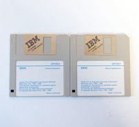 IBM-DOS-4.00-Dutch-3.5-disk-PC-operating-system-vintage-retro-80s