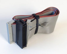 Spectrastrip-3.5-&-5.25-PC-floppy-disk-drive-34-pin-internal-flat-ribbon-twisted-cable-68cm-w--card-edge-connector-FDD-3.5-5.25-inch-vintage-DOS