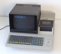 Sharp-MZ-80K-1979-microcomputer-rare-special-early-vintage-retro-70s